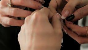 το μαύρο τρίχωμα αποκριές μακριές φαίνεται makeup προκλητικό πλάνο κολοκύθας χαμογελώντας για να μαγεψει τη γυναίκα Δύο κορίτσια  φιλμ μικρού μήκους