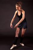 Το μαύρο tutu Ballerina στο μπαλέτο θέτει Στοκ Φωτογραφίες