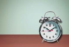 Το μεγάλο κουδούνι εξασφαλίζει ξυπνήστε στοκ εικόνες με δικαίωμα ελεύθερης χρήσης