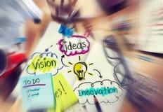 Το μερίδιο καινοτομίας οράματος ιδεών σκέφτεται τις έννοιες Στοκ Εικόνες