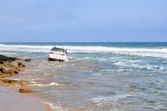 Τολμηρό Drive κατά μήκος της παραλίας στοκ εικόνα με δικαίωμα ελεύθερης χρήσης