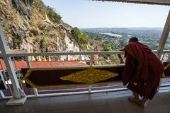 Το Μιανμάρ - φεστιβάλ σπηλιών Pindaya Στοκ Φωτογραφίες