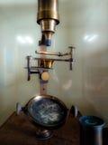 Το μικροσκόπιο δέκατου όγδοου αιώνα που χρησιμοποιείται από τον επιστήμονα Louis Ντάνιελ Beauperthy στη Βενεζουέλα Στοκ Φωτογραφίες