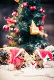Το μικρό παιχνίδι αντέχει στη ζωή Χριστουγέννων ακόμα Στοκ Εικόνες