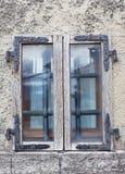 Το μικρό παλαιό ξύλινο παράθυρο Στοκ εικόνα με δικαίωμα ελεύθερης χρήσης