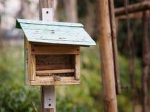 Το μικρό σπίτι πουλιών Στοκ φωτογραφία με δικαίωμα ελεύθερης χρήσης
