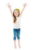 Το μικρό χαριτωμένο κορίτσι αυξάνει τα χέρια επάνω Στοκ φωτογραφία με δικαίωμα ελεύθερης χρήσης