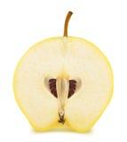 Το μισό από το ώριμο Apple-κυδώνι που απομονώνεται Στοκ Εικόνες