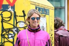 Το Μιλάνο, Μιλάνο, γυναίκες της Helena bordon διαμορφώνει το χειμώνα 2015 2016 φθινοπώρου εβδομάδας Στοκ Εικόνες
