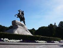 Το μνημείο ιππέων χαλκού σε Άγιο Πετρούπολη Η πρωτεύουσα θάλασσας της Ρωσίας Λεπτομέρειες και κινηματογράφηση σε πρώτο πλάνο στοκ φωτογραφία με δικαίωμα ελεύθερης χρήσης