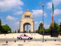 Το μνημείο στην επανάσταση στην Πόλη του Μεξικού στοκ φωτογραφίες