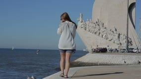 Το μνημείο στις ανακαλύψεις στο DOS Descobrimentos, Πορτογαλία Παναγίας de Βηθλεέμ Padrao το Σεπτέμβριο του 2015 της Λισσαβώνας απόθεμα βίντεο