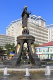 Το μνημείο στον ιερό μάρτυρα Catherine και η πηγή στο α Στοκ φωτογραφία με δικαίωμα ελεύθερης χρήσης