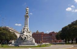 Το μνημείο του Columbus ` Πίσω από, το Λα Casa Ro κυβερνητικών παλατιών Στοκ φωτογραφίες με δικαίωμα ελεύθερης χρήσης
