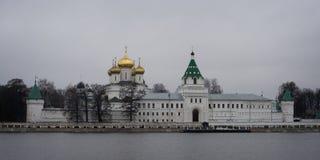 Το μοναστήρι Ipatiev, Kostroma, Ρωσία στοκ εικόνες