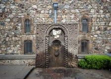 Το μοναστήρι Khor Virap, ένα ελατήριο με το νερό Στοκ φωτογραφία με δικαίωμα ελεύθερης χρήσης