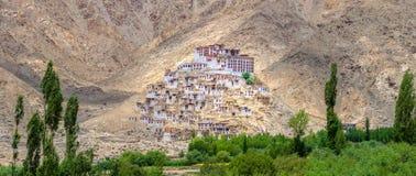 Το μοναστήρι Takthok είναι ένα βουδιστικό μοναστήρι στο χωριό Sakti στο Λα Στοκ εικόνα με δικαίωμα ελεύθερης χρήσης