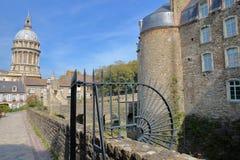 Το μουσείο του Castle και η βασιλική της Notre Dame στο υπόβαθρο, Boulogne-sur-Mer, υπόστεγο δ ` Opale, Pas-de-Calais, Hauts de Γ Στοκ φωτογραφία με δικαίωμα ελεύθερης χρήσης