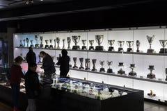 Το μουσείο των τροπαίων των φλυτζανιών και των βραβείων της ομάδας FC Βαρκελώνη του στρατόπεδου Nou Στοκ Φωτογραφία
