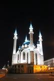 Το μουσουλμανικό τέμενος Kul Σαρίφ Kazan στην πόλη τη νύχτα Στοκ Εικόνες