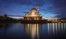 Το μουσουλμανικό τέμενος Putrajaya, Μαλαισία Στοκ Εικόνα