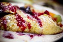 Το μούρο φρούτων Crepe Στοκ Εικόνες