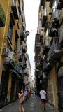 Το μπαλκόνι γέμισε τις μικρές οδούς στη Νάπολη στοκ φωτογραφίες με δικαίωμα ελεύθερης χρήσης