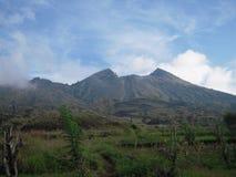 Το Μπαλί τοποθετεί τον ουρανό και το σύννεφο Batur Στοκ Εικόνες