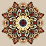 Το μπεζ mandala χρώματος, περιβάλλει το διακοσμητικό σπιρίτσουαλ Στοκ Εικόνες