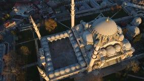 Το μπλε μουσουλμανικό τέμενος Sultanahmet στη Ιστανμπούλ, Turkie Εναέριος πυροβολισμός άποψης κηφήνων Μπλε ουρανός, ηλιοβασίλεμα απόθεμα βίντεο