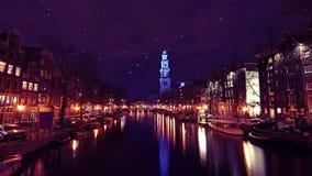 Το μπλε Westerkerk διαφώτισε στο Άμστερνταμ τις Κάτω Χώρες απόθεμα βίντεο