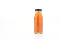 Το μπουκάλι χυμού της Apple που απομονώνεται στο άσπρο υπόβαθρο Στοκ Εικόνες