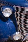 Εκλεκτής ποιότητας μπλε πλευρά μπροστινών μερών αυτοκινήτων Στοκ φωτογραφία με δικαίωμα ελεύθερης χρήσης