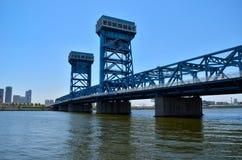 Το μπλε η γέφυρα Στοκ Φωτογραφίες