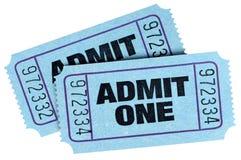 Το μπλε δύο αναγνωρίζει τα εισιτήρια ένα που απομονώνονται στο άσπρο υπόβαθρο Στοκ φωτογραφίες με δικαίωμα ελεύθερης χρήσης
