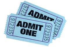 Το μπλε δύο αναγνωρίζει τα εισιτήρια ενός κινηματογράφου στοκ εικόνα με δικαίωμα ελεύθερης χρήσης