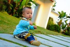 Το μόνο μωρό χορεύει στην πράξη (Ασία, Κίνα, κινεζικά) Στοκ Εικόνα