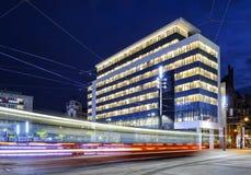 Το νέο Δημαρχείο και γύροι τραμ στο κύριο τετράγωνο Katowice Στοκ Φωτογραφία