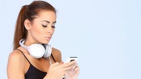 Το νέο κορίτσι ψάχνει τη μουσική φιλμ μικρού μήκους