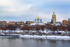 Το νέο μοναστήρι μοναστηριών Novospassky του λυτρωτή, είναι ένα από τα ενισχυμένα μοναστήρια που περιβάλλουν Μόσχα από το νοτιοαν στοκ φωτογραφία με δικαίωμα ελεύθερης χρήσης