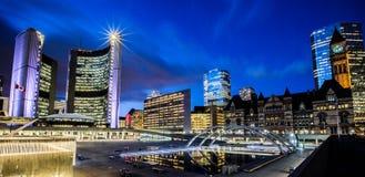 Το νέο & παλαιό Δημαρχείο, Τορόντο Στοκ Εικόνα