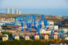 Το ναυπηγείο Dalian στο λιμένα Lusun στοκ φωτογραφίες με δικαίωμα ελεύθερης χρήσης