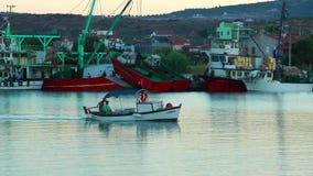 Το ναυτικό αποβαθρών και η θάλασσα απόθεμα βίντεο