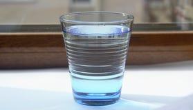 Το νερό στο μπλε glass3 Στοκ φωτογραφίες με δικαίωμα ελεύθερης χρήσης