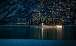 Το νησί Αγίου George στον κόλπο Kotor, Μαυροβούνιο Στοκ φωτογραφία με δικαίωμα ελεύθερης χρήσης