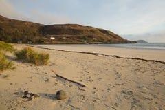 Το νησί παραλιών κόλπων του Κάλγκαρι θερμαίνει τη Σκωτία UK σκωτσέζικο εσωτερικό Hebrides Στοκ Εικόνα