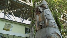 Το νησί Granville, τοτέμ Πολωνός του Βανκούβερ μετακινείται τον πυροβολισμό φιλμ μικρού μήκους