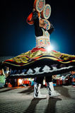 Το Ντουμπάι, Ε.Α.Ε., στις 10 Δεκεμβρίου 2013, ένα άτομο με μια φούστα χορεύει nationa Στοκ Εικόνες