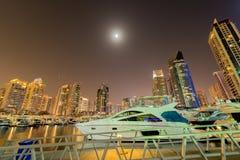 Το Ντουμπάι - 10 Ιανουαρίου 2015: περιοχή μαρινών επάνω Στοκ εικόνες με δικαίωμα ελεύθερης χρήσης