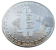 Το νόμισμα Bitcoin στο άσπρο υπόβαθρο στοκ εικόνα